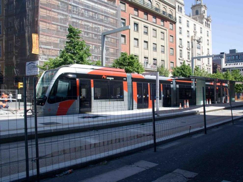 Tranvía en pruebas por Paseo Independencia