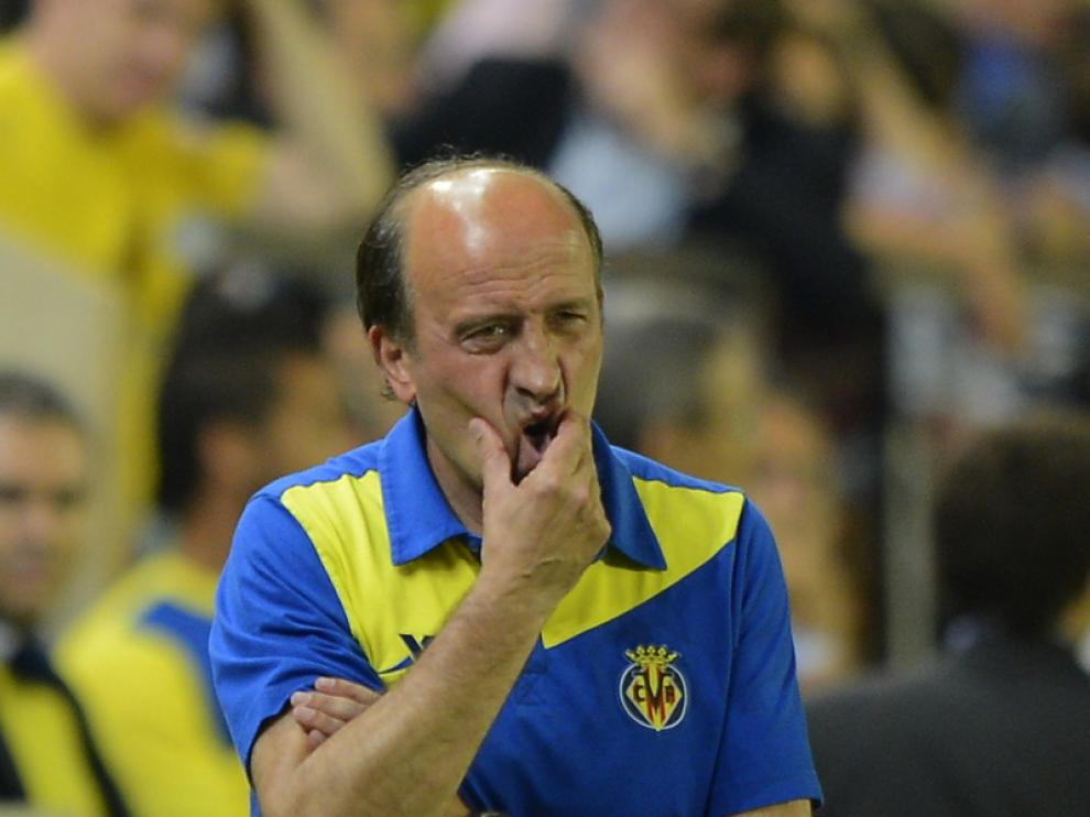 El entrenador del Villarreal, Miguel Ángel Lotina