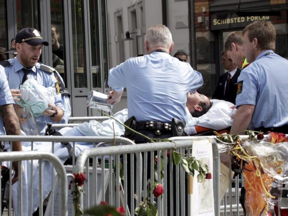 El hombre que trató de inmolarse fue trasladado al hospital