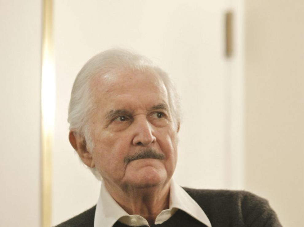 Fotografía de archivo del escritor mexicano Carlos Fuentes