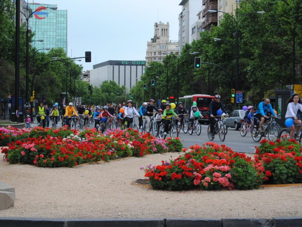 Bicicletada infantil, a su paso por la Puerta del Carmen
