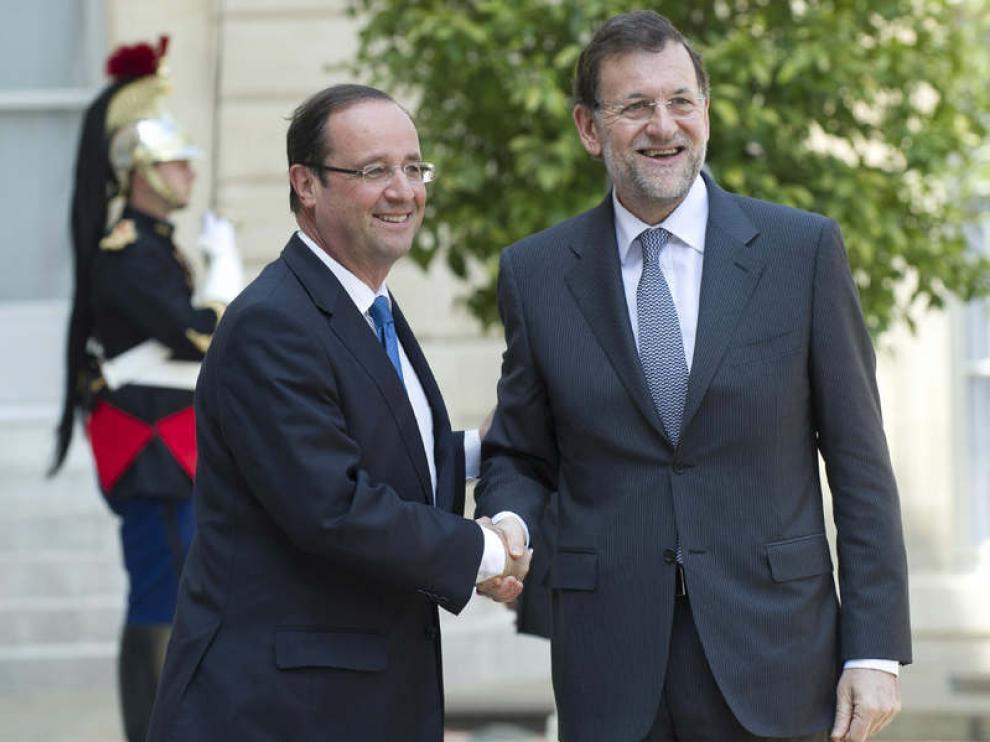 François Hollande Saluda a Mariano Rajoy