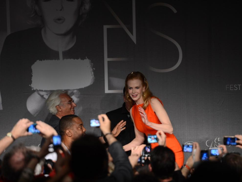 Kidman fue requerida por los fotografos en el photocall