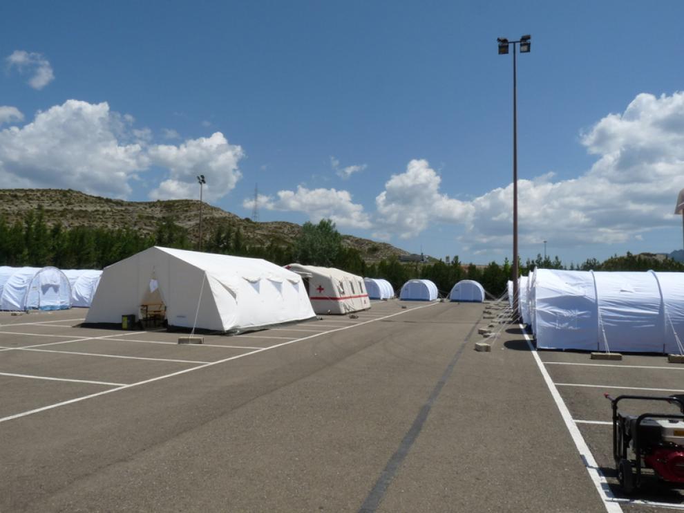 Equipos de emergencia preparados para actuar ante la hipotética catástrofe