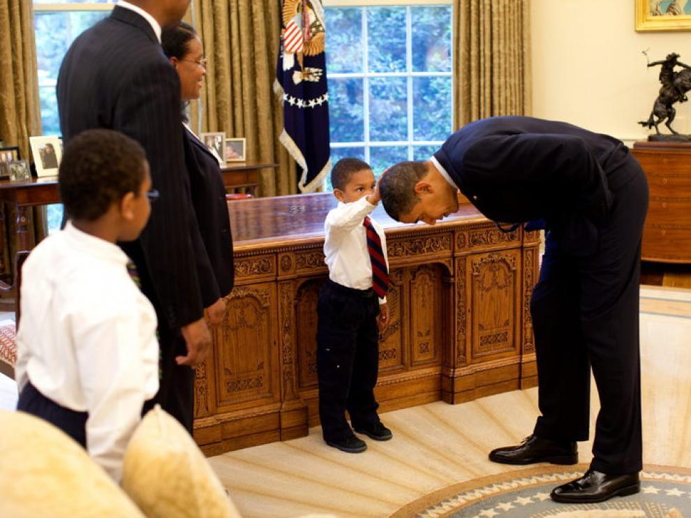 Un niño de cinco años pide tocar el pelo de Obama