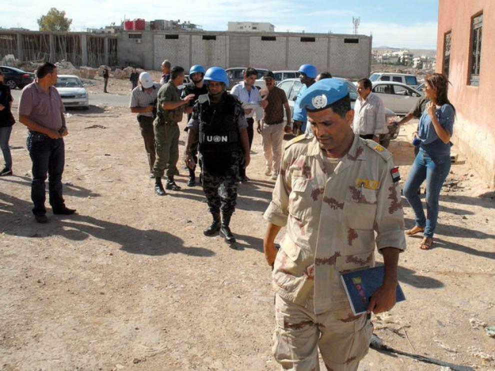 Efectivos de la ONU inspeccionan las afueras de Damasco