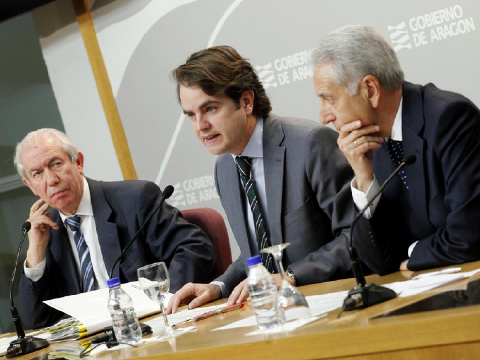 La DGA presiona para que la sede de las cajas se quede en Aragón