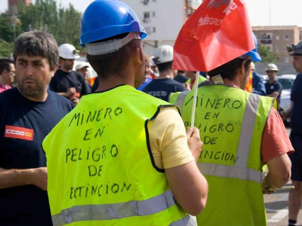 Manifestación en Zaragoza contra los recortes en el sector minero.