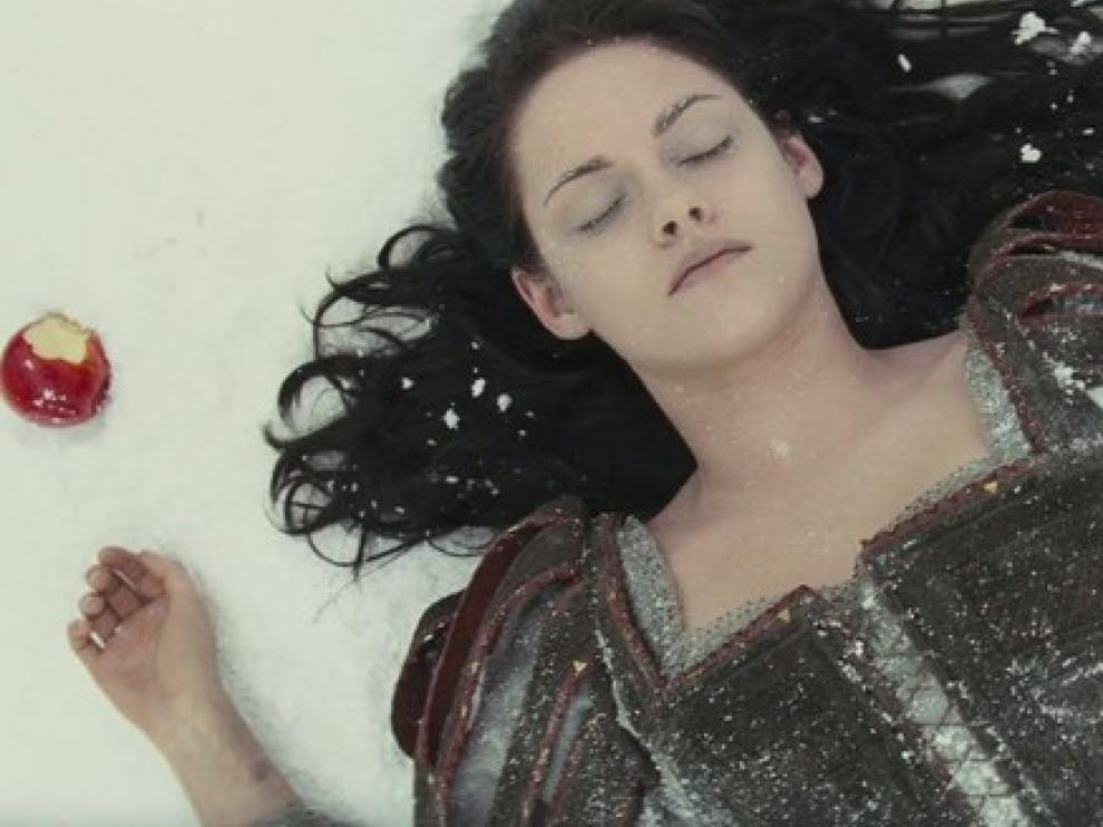 Kristen Stewart se transforma en una princesa en 'Blancanieves y el secreto del cazador'