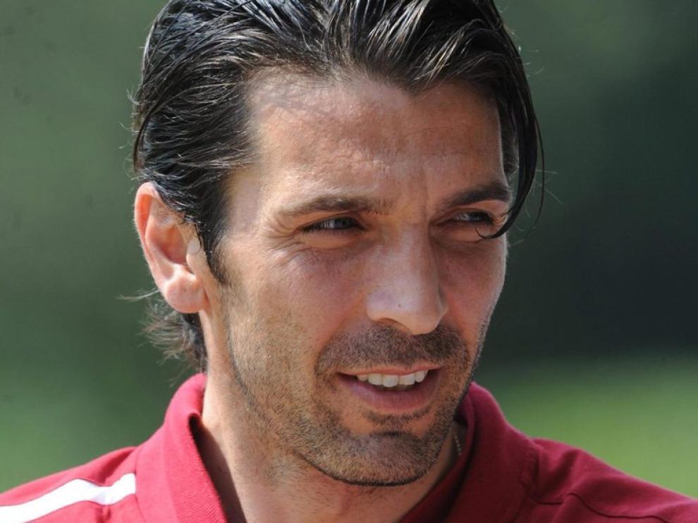 Buffon en el entrenamiento de la selección italiana