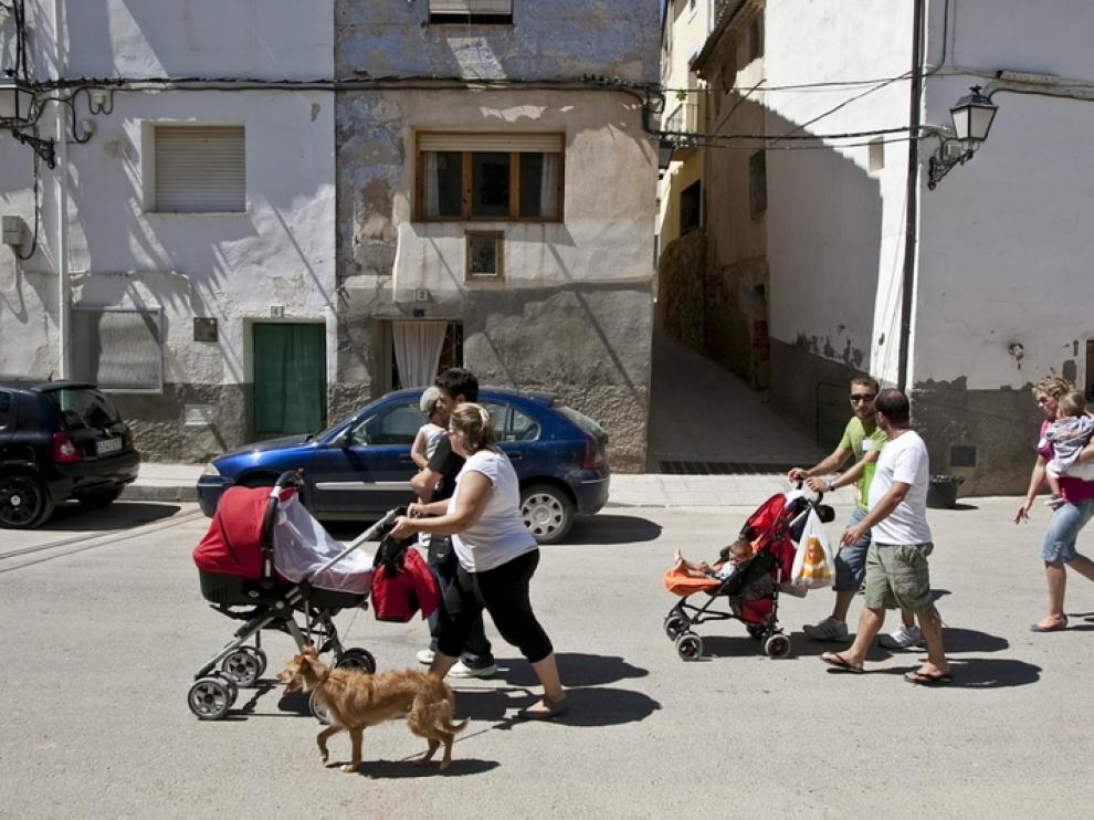 Castelnou organizó un encuentro para atraer a familias al pueblo