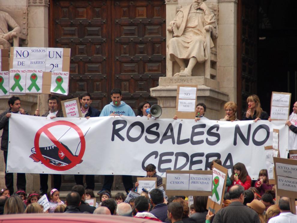Manifestación de los vecinos de Rosales del Canal