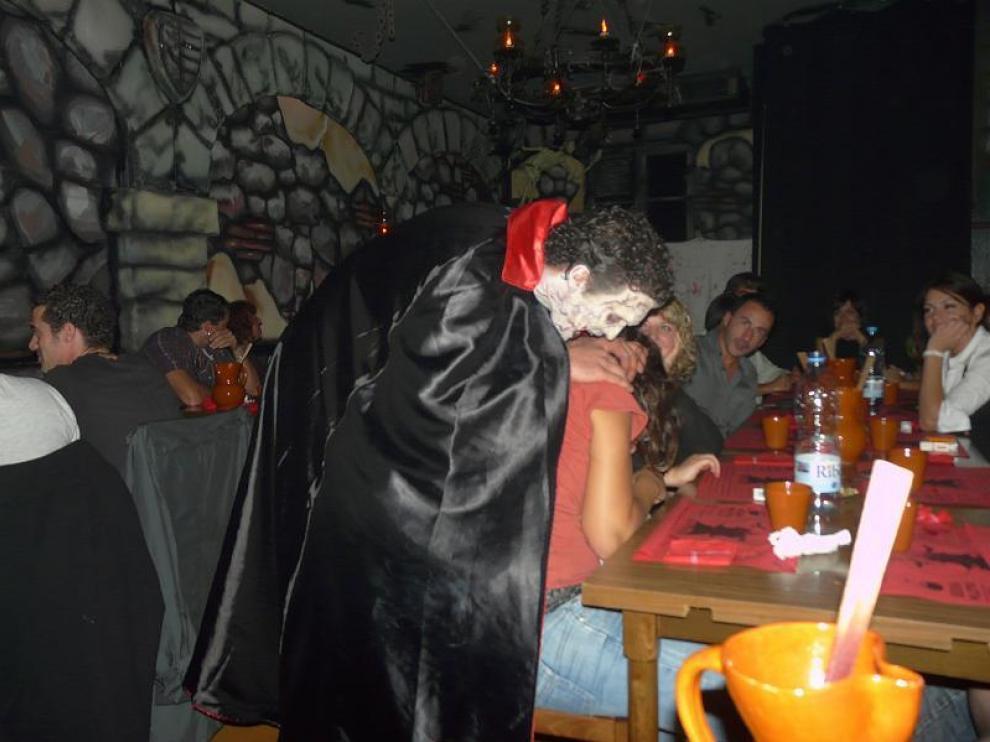 En el restaurante de Eduardo Marín los camareros no solo sirven la cena