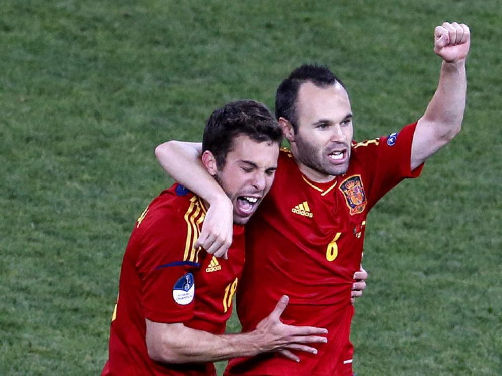 Andrés Iniesta y Jordi Alba se quedan fuera de la convocatoria