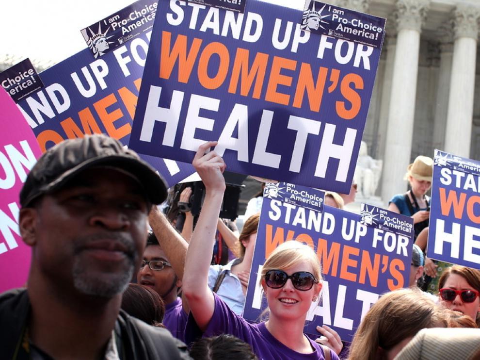 Defensores de la reforma sanitaria, a las puertas del tribunal