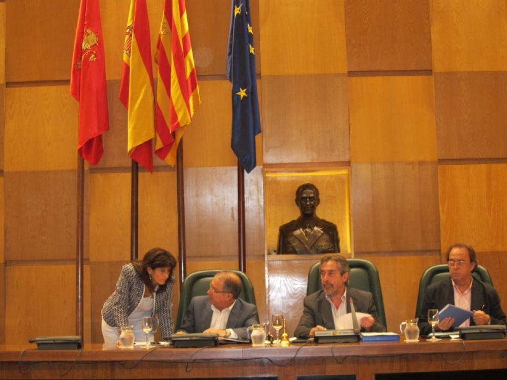Imagen de archivo de un pleno en el Ayuntamiento de Zaragoza