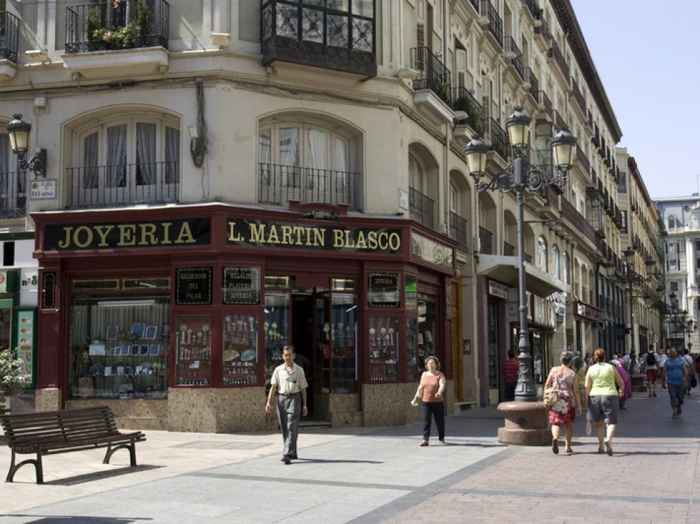 Los comercios de la calle de Alfonso I están en pleno corazon turístico de Zaragoza