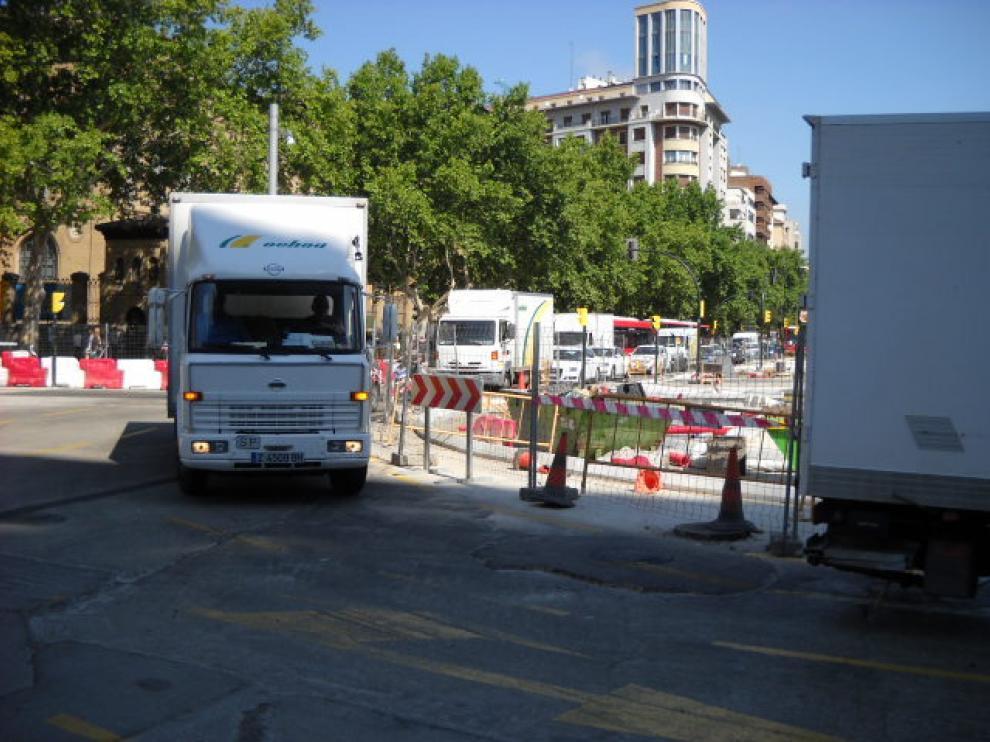 Varias camionetas de la empresa transportes Ochoa