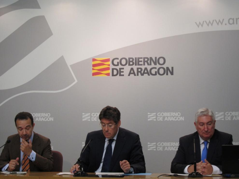 Raúl Marqueta, Arturo Aliaga y Miguel Ángel García Muro en la presentación de los proyectos