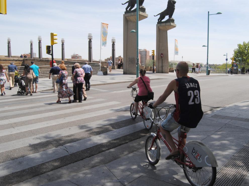 Una de cada cuatro estaciones del servicio Bizi está alejada de los carriles bici