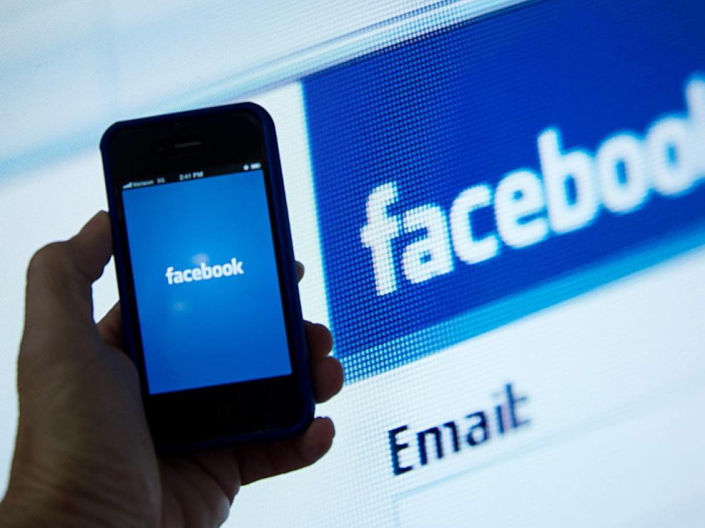 Facebook ha anunciado que va a seguir apostando por la tecnología móvil.
