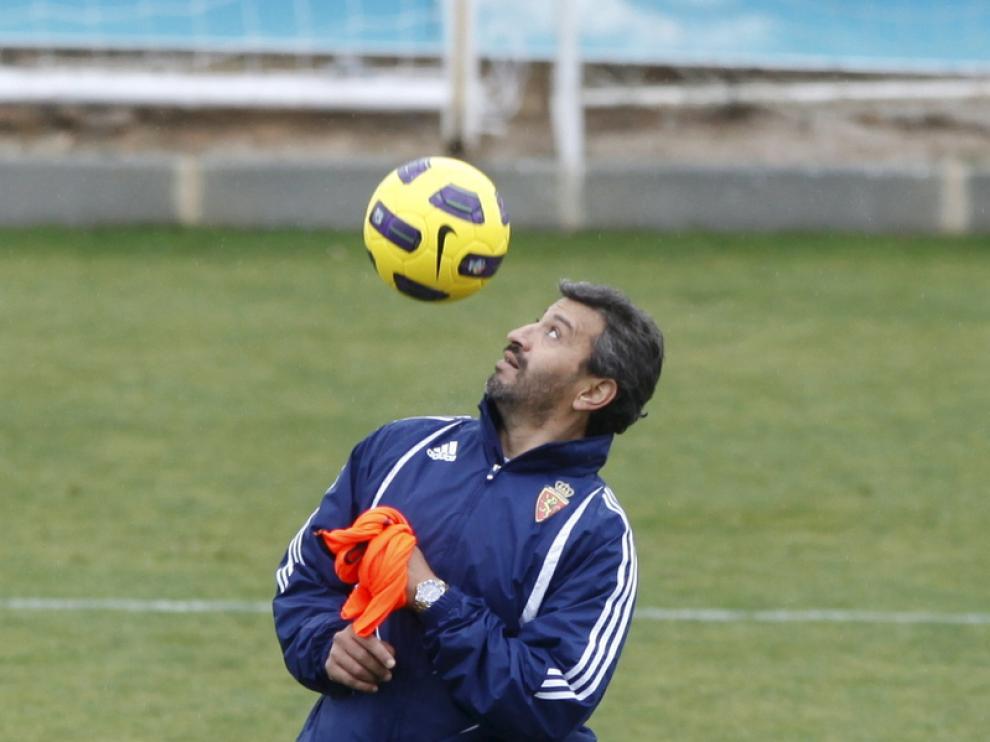Nayim, ex entrenador del conjunto maño