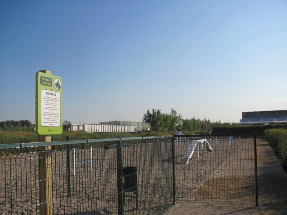 Nueva zona para perros en el Parque del Agua