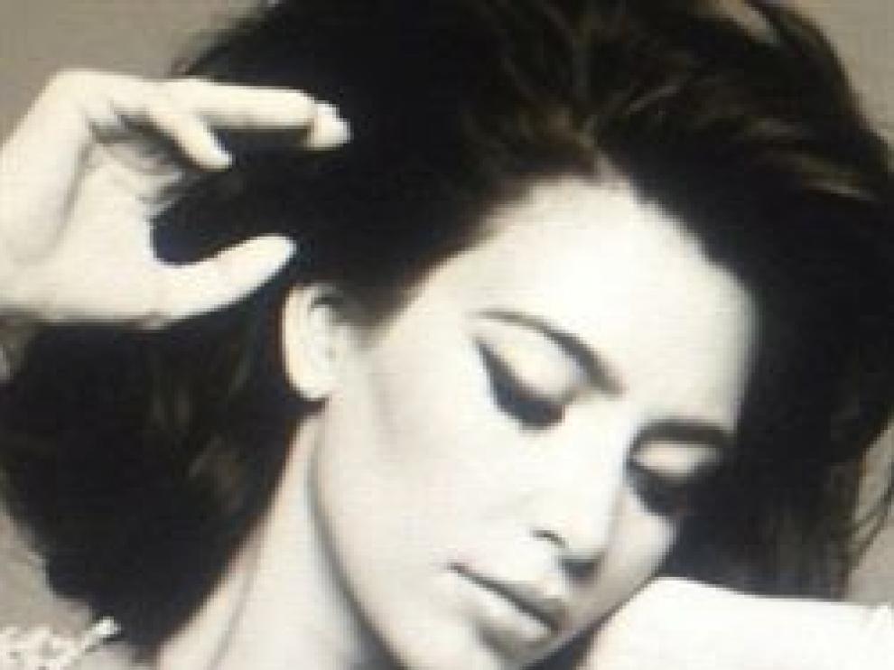 Kim Kardashian transformada en una diva de los cincuenta