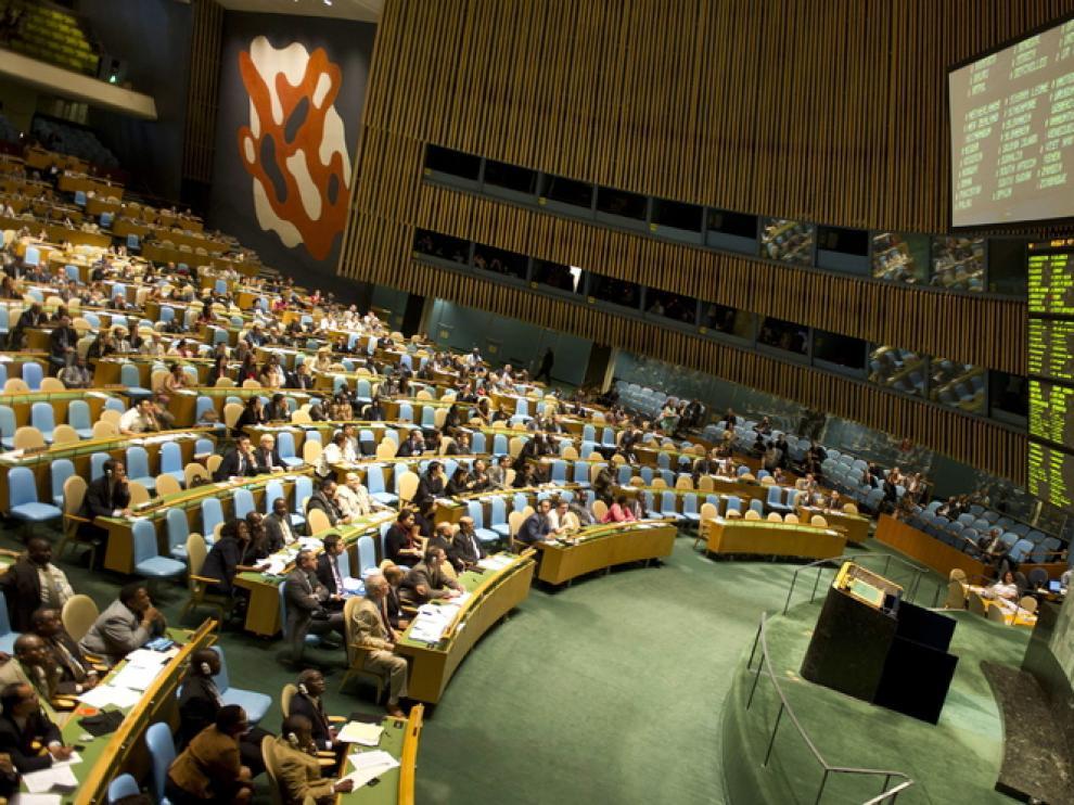 El plenario de la ONU condena a Damasco por graves violaciones de los derechos humanos.