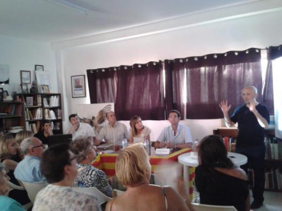 Inauguración de la Biblioteca 'Félix Romero' en Lechago