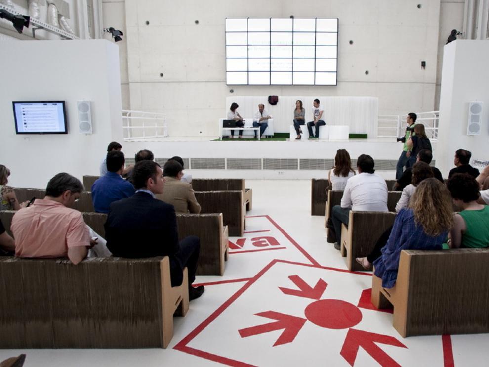 Foto de arvhico de una charla para emprendedores en Zaragoza Activa