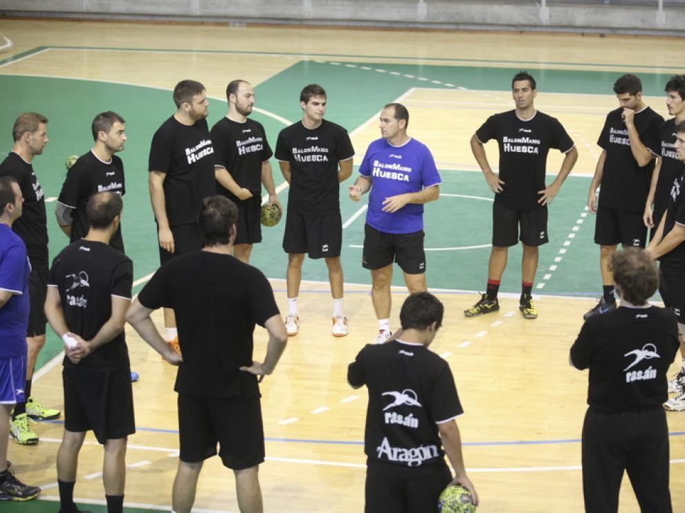 Entrentamiento del Balonmano Huesca este miércoles