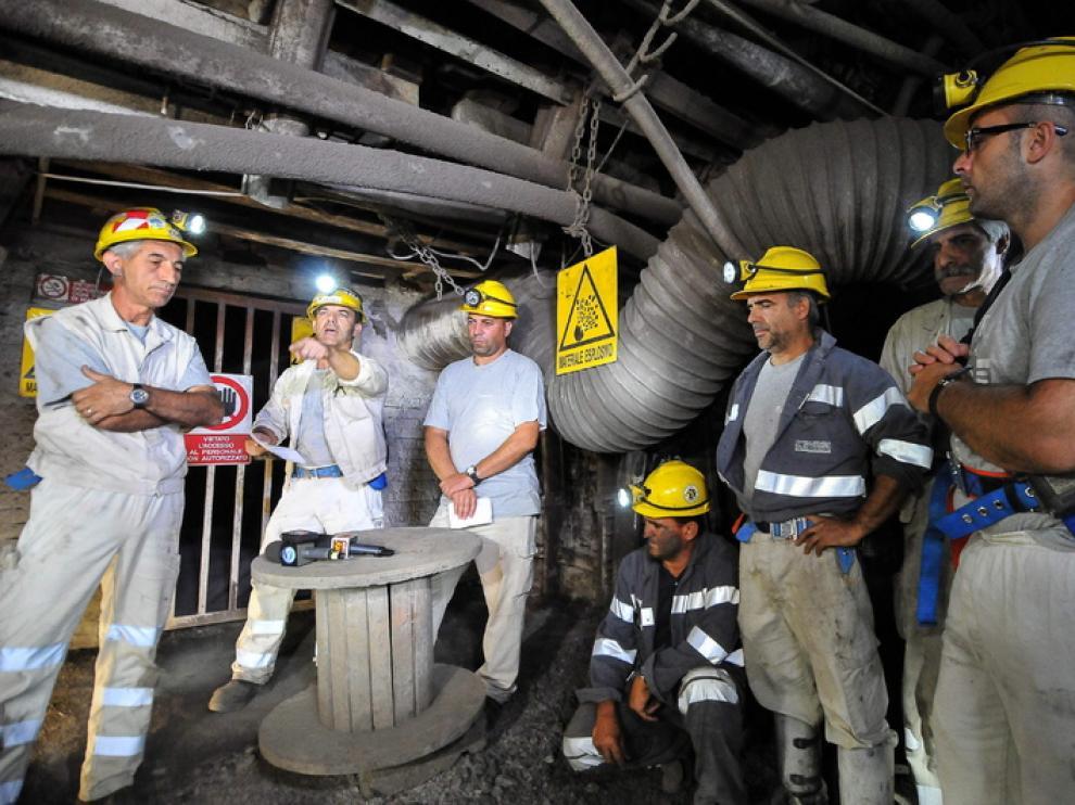 120 mineros ocupan la mina desde el pasado lunes.