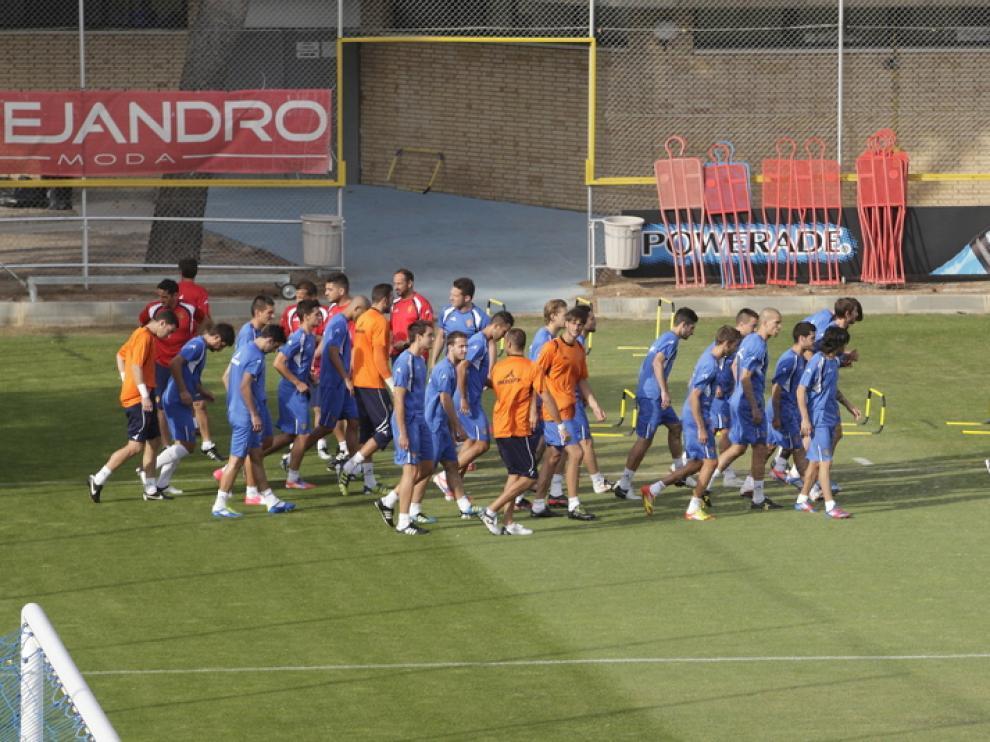 Plantilla del Real Zaragoza en un entrenamiento
