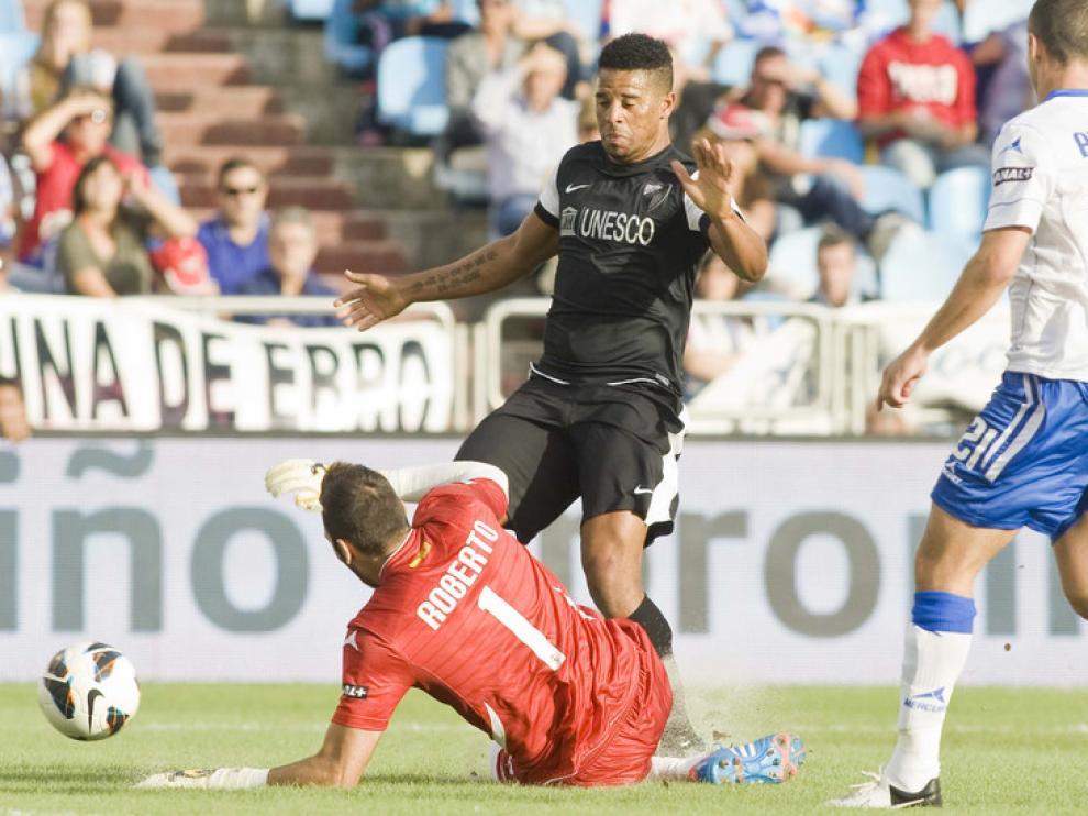 Roberto, durante un partido contra el Málaga