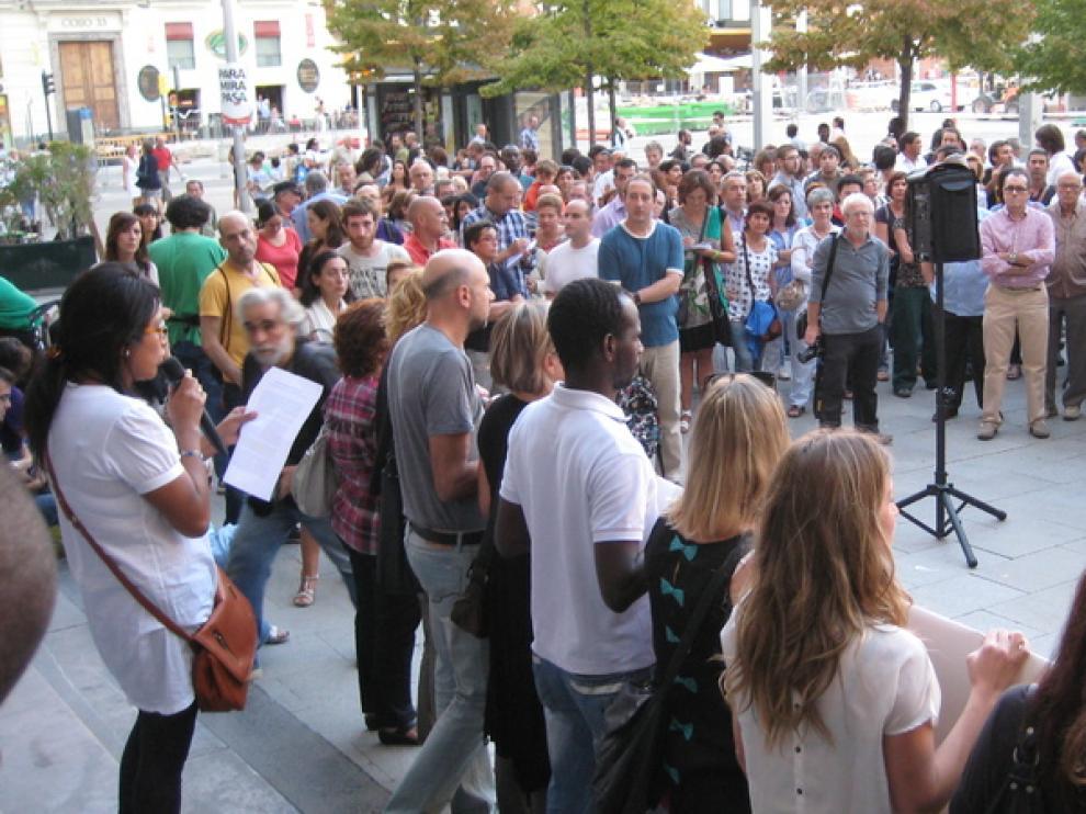 Concentración en Zaragoza a favor de la sanidad universal