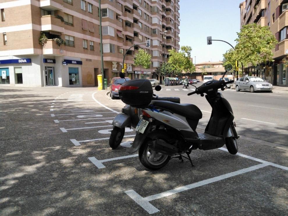 Plazas Más En Zaragoza De Aparcamiento Motos Para 8wOP0XnNk