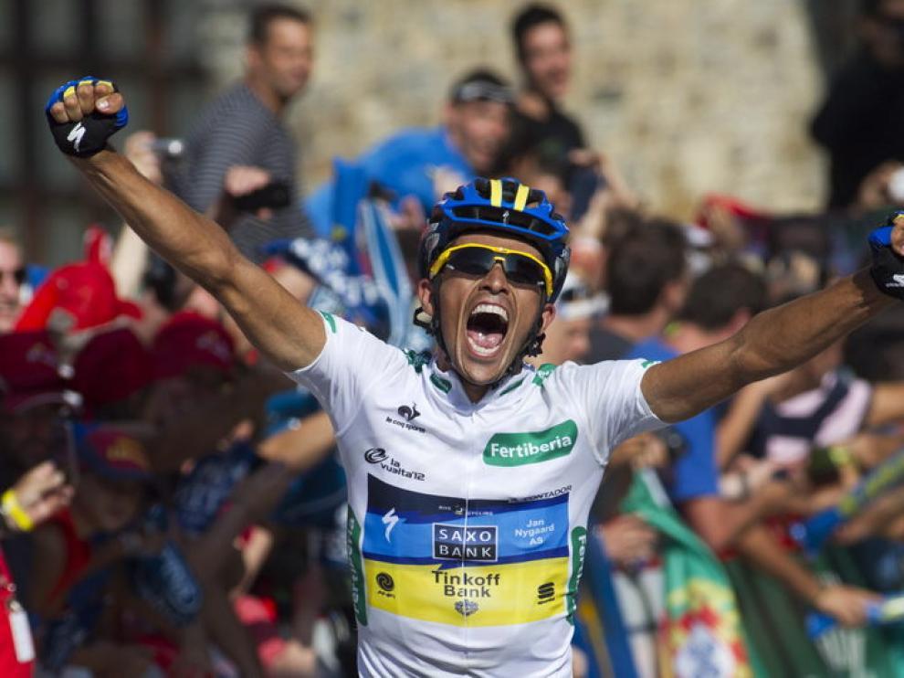 Alberto Contador al entrar en meta