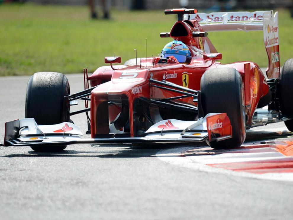 Fernando Alonso en el monoplaza de Ferrari