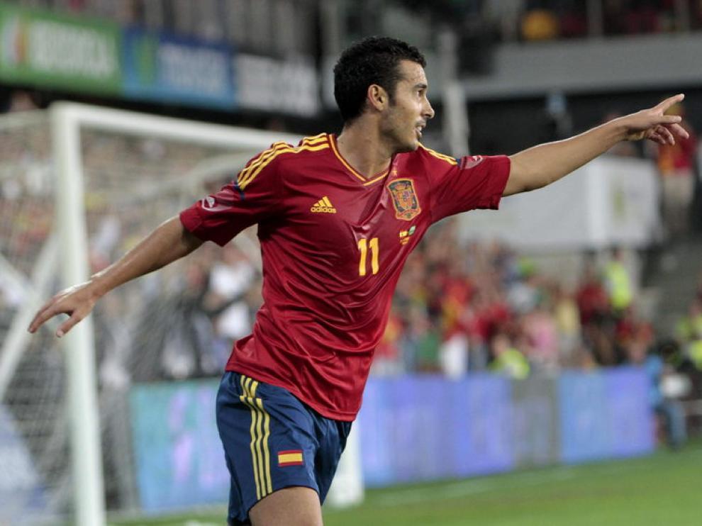 Pedro celebra su tanto en el amistoso frente a Arabia Saudí.