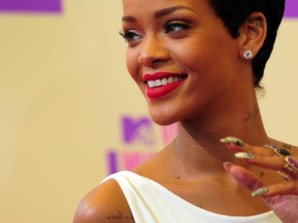 Rihanna, la causa de los celos de Karrueche