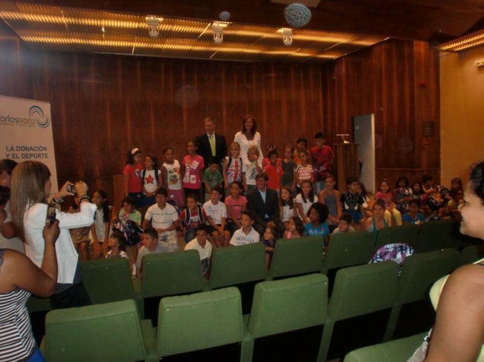 Acto de entrega del material escolar en Madrid