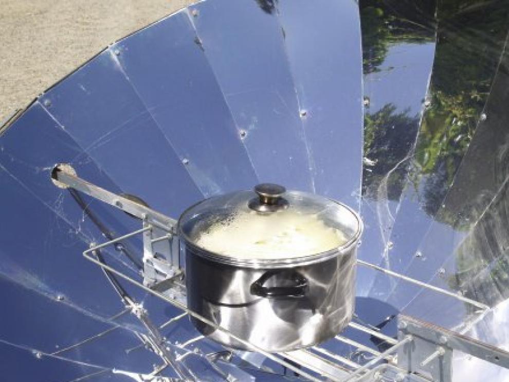 En el taller se utilizarán diversos modelos de cocinas y hornos solares.