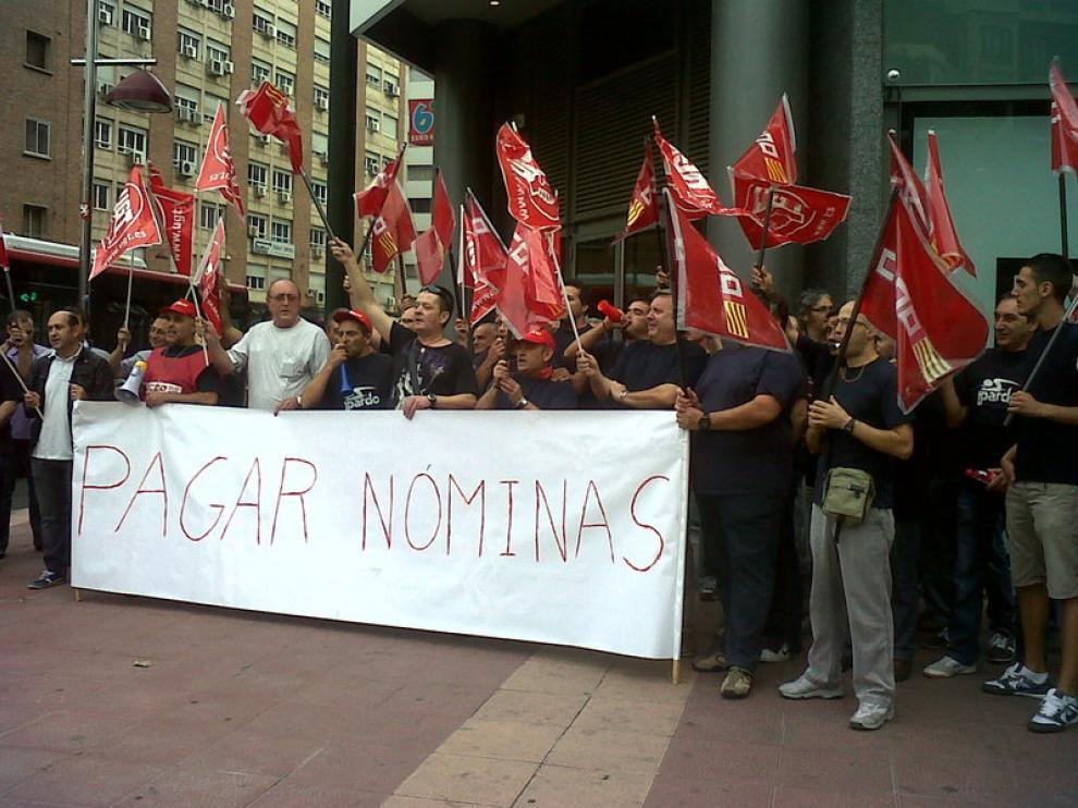 Los trabajadores de Hidráulicas Pardo se manifiestan en Zaragoza