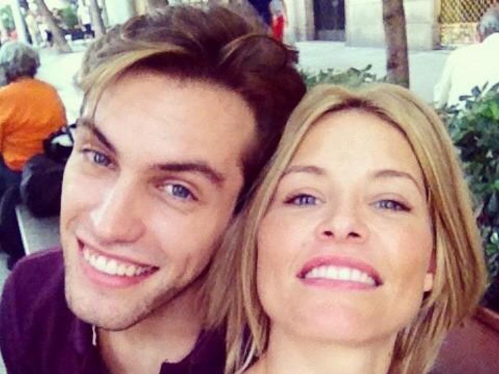 Soraya Arnelas con Miguel Herrera en Ibiza