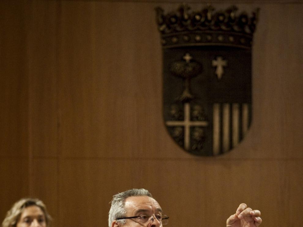 Alfredo Boné (PAR) en el pleno de las Cortes de Aragón