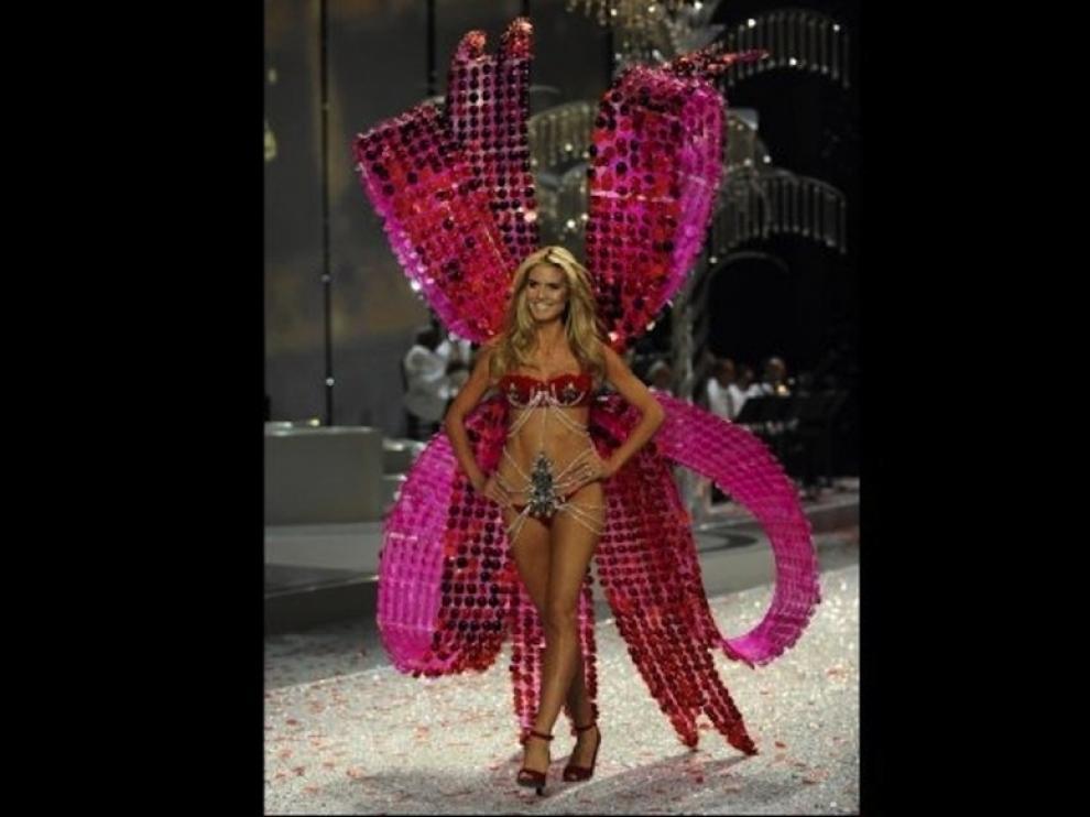 La modelo Heidi Klum en un desfile
