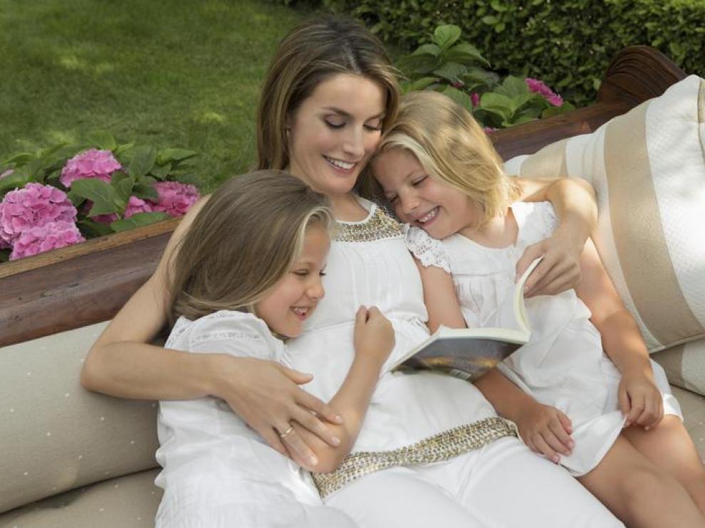 Reportaje especial de los Príncipes de Asturias junto a sus hijas con motivo del 40 cumpleaños de Letizia Ortiz