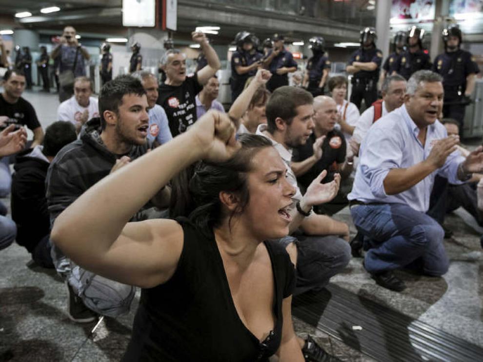 Los trabajadores de Renfe, Adif y Feve han realizado este lunes su segunda jornada de huelga.