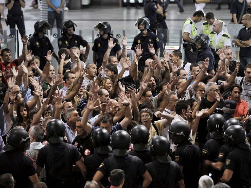 Manifestación en la madrileña estación de Atocha